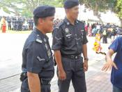 English: A full-time Police Mobile Patrol Vehicle on duty at the Tanjung Emas Square, Taman Emas, Muar, Johore during the National Community Policing of 2009.