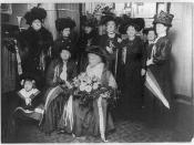 English: Tennessee Celeste Claflin, suffragette, with other suffragettes