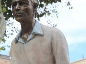 Marseille, près du vieux Port, Les Voyageurs, sculptures de Bruno Catalano
