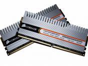 English: An edited photo of 2gb of DDR2 RAM with integrated heat sinks. Français : Une carte DDR2 SDRAM de 2 Gb avec des Radiateurs intégrés.