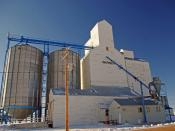 English: United Grain Growers elevator .