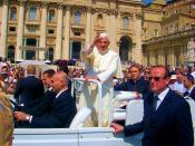 English: Pope Benedict XVI in St. Peter's Square, Rome (2007). Polski: Papież Benedykt XVI podczas Audiencji Generalnej na Placu św. Piotra w Rzymie (2007).