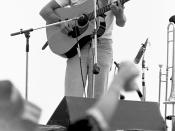 English: Country Joe McDonald performing in the band Country Joe and the Fish. Woodstock Reunion, 9/7/79. Parr Meadows, Ridge, NY