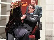 Deutsch: Madame Pernelle, neben ihrem Sohn Orgon die einzige, die auf Tartuffes scheinheiliges Getue hereinfällt, tyrannisiert alle im Hause Orgon mit ihrer Bigotterie und Uneinsichtigkeit. (Szenenfoto des Exil Theaters aus Molières Reimkomödie