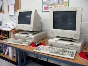 English: These are some of the computers in the classroom.