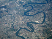 English: Aerial view of the Brisbane River, Queensland, Australia