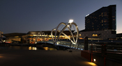 English: Grimshaw Architects Seafarers Footbridge & Melbourne Convention and Exhibition Centre in South Wharf