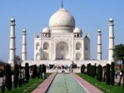 Taj Mahal, Agra, India. Deutsch: Taj Mahal im indischen Agra. Español: Vista del Taj Mahal, Agra, India. Français : Le Taj Mahal, à Âgrâ, en Inde. Русский: Мавзолей Тадж-Махал, Агра, Индия.