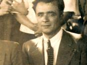 Luis Ibañez Vasquez en la Plaza de San Vicente en 1928