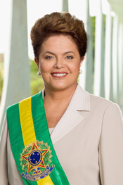 English: Official photo of President Rousseff, taken by official photographer, at Alvorada Palace on January 9th, 2011. Français : Photo de Dilma Rousseff, prise par un photographe officiel, dans le Palácio da Alvorada le 9 janvier, 2011. Português: Foto