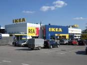 English: Ikea store in Älmhult, Sweden. Deutsch: Ikea-Möbelhaus in Älmhult, Schweden.