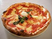 English: Picture of an authentic Neapolitan Pizza Margherita taken by Valerio Capello on September 6th 2005 in a pizzeria (