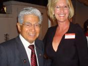 Erin Brockovich poses with Senator Daniel Akaka of Hawaii at a Government Accountability Project whistleblower award ceremony.