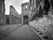 Leading lines at fountains abbey.
