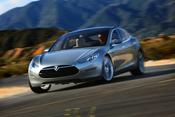 English: The Tesla Model S is an all-electric sedan.
