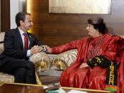 English: The President of the Government of Spain, José Luis Rodríguez Zapatero, and the President of Libya, Muammar al-Gaddafi, in Tripoli (Libya). Español: El Presidente del Gobierno de España, José Luis Rodríguez Zapatero, junto al presidente de Libia,