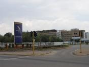 English: Airways Park, the head office of South African Airways - Jones Street, Kempton Park, Gauteng, South Africa Afrikaans: Hoofkantoor van die Suid-Afrikaanse Lugdiens - Jones Straat, Kempton Park, Gauteng, Suid-Afrika