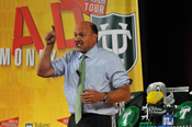"""English: CNBC's """"Mad Money with Jim Cramer"""" came to Tulane University's Freeman School of Business Oct. 19, 2010 to broadcast in front of a live audience as part of the show's """"Back to School Tour."""""""