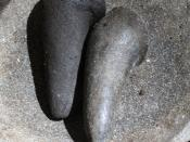 Bahasa Indonesia: Uleg-uleg adalah salah satu alat yang ada di dapur yang dimanfaatkan untuk menghaluskan bumbu masak atau yang lain diatas cobek