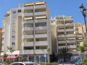 English: Apartment building in Fuengirola