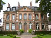 English: Hôtel de la gabelle (house of the salt tax) in Bernay. It was built in 1750 by Bréant et Ange-Jacques Gabriel. Today it is a music school. Deutsch: Hôtel de la gabelle (Salzsteuerhaus) in Bernay. Es wurde 1750 von Herrn de Bréant und Ange-Jacques