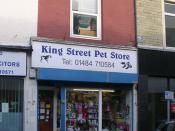 English: King Street Pet Store - King Street