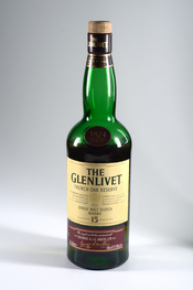 English: Bottle of The Glenlivet Single Malt Scotch Whisky French Oak Reserve, 15 years old Deutsch: Flasche Glenlivet Single Malt Scotch Whisky French Oak Reserve, 15 Jahre alt