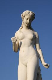 Français : Nymphe, d'Edmond Lévêque (1814–1875), Jardin des Tuileries, Paris.