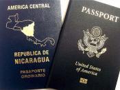 English: A dual citizen may bear two passports. 日本語: 二重国籍者は二つのパスポートを持てる。