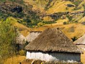 English: Navala village, Viti Levu, Fiji. עברית: כפר נבאלה, ויטי לבו, פיג'י.