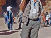 English: A tour guide in Petra (Jordan)