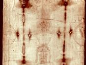 English: Full-length photograph of the Shroud of Turin which is said to have been the cloth placed on Jesus at the time of his burial. Română: O repoducere fotografică în întregime a Sfântului Giulgiului despre care se spune că a fost folosit pentru a aco