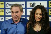English: Andrew Lloyd Webber and Jade Ewen. Русский: (10 января 2010 года) Джейд Юэн и Эндрю Ллойд Уэббер на конкурсе песни «Евровидение 2009».
