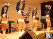 English: Four members of the Dallas Cheerleading Squad entertain Soldiers and Airmen at Forward Operating Base Warrior in Kirkuk, Iraq, Dec. 16, during the Sgt. Maj. of the Army's 2007 Hope and Freedom USO Tour.