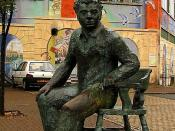 English: Maritime Quarter: Swansea. A statue of Dylan Thomas, outside the Dylan Thomas Theatre at the Marina, Swansea.