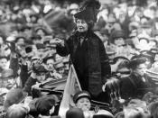 English: Emmeline Pankhurst addresses a crowd in New York City in 1913