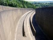 English: Spillway at Kielder Water Reservoir.
