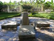 English: The mausoleum containing the remnants of the Mirabal Sisters Minerva, Patria and Maria Teresa, as well as Minerva's husband Manolo. In Salcedo, Dominican Republic, in the yard of the Mirabal Museum.