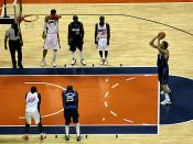 Freiwurf Dirk Nowitzki beim NBA Spiel der Dallas Mavericks gegen den Gastgeber Charlotte Bobcats.