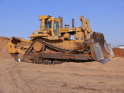English: Caterpillar D10N bulldozer, in Israel Français : Un bulldozer D10N de la marque Caterpillar. Photo prise en Israël. עברית: דחפור די-10 תוצרת קטרפילר. צולם בישראל
