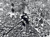 Vista aérea del bombardeo de la Estación del Norte (Valencia, 1937)