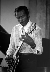 Français : Le chanteur américain Chuck Berry en concert à Deauville (Normandie, France) en 1987.