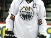 English: Edmonton Oilers captain Shawn Horcoff prior to a National Hockey League game against the Calgary Flames.