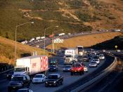 Traffic congestion on northbound Interstate 5 (California) (the Golden State Freeway) near Pyramid Lake (California). Photographed by user Coolcaesar on June 16, 2006.