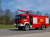 English: A MAN fire truck. Photo taken at the airport in Królewo Malborskie