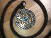 English: Photograph of a pentacle upon which is depicted a pentagram, the sacred symbol within the religion of Wicca.