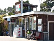 English: Grocery store on California State Route 1 in Cleone, California