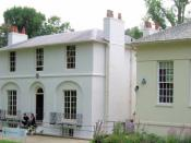 English: House in Hampstead occupied by poet John Keats and now a museum next the Heath branch Public Library on the right