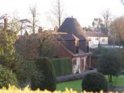 English: Ashbud Oast, Birling, near to Birling, Kent, Great Britain. On access road to Birling Lodge.