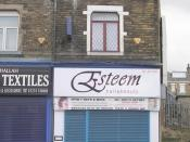 English: Esteem hair & beauty - Manchester Road